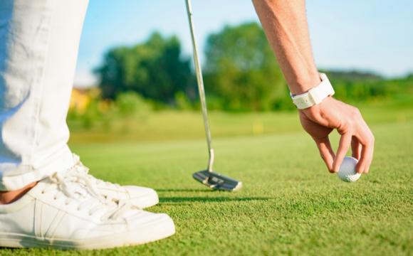 Golfer wearing a smartwatch