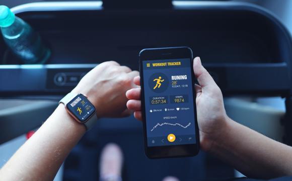 Smart Fitness Tracker Reporting on Treadmill